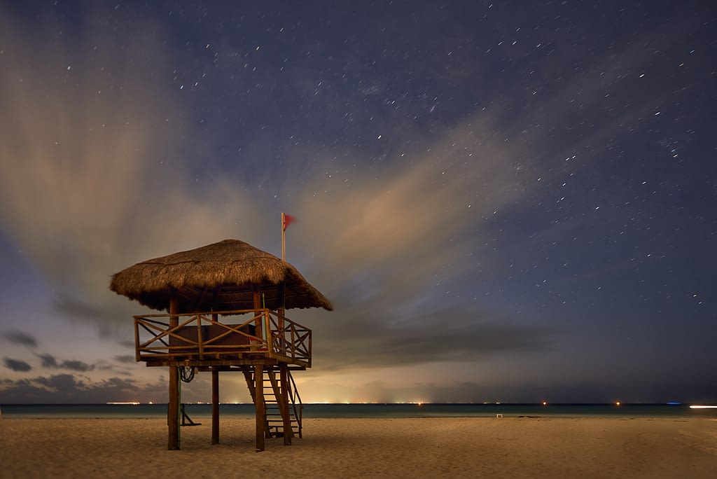 Caseta-salvavidas-en-Playa-del-Carmen-Quintana-Roo